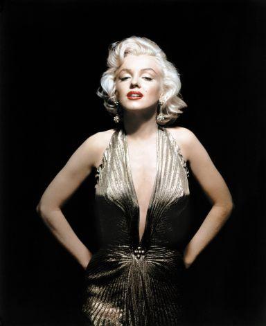 """la robe en couleur métal avec plissage conçue par William pour Monroe dans """"How to marry a Millionaire"""""""