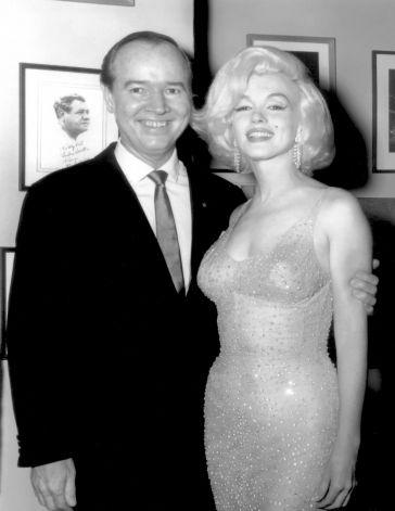 Monroe dans une robe de cérémonie de Jean Louis
