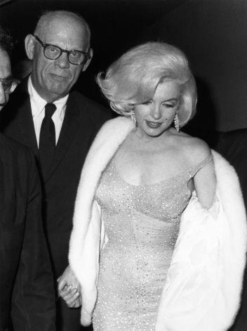 Robe de soirée portée par Monroe lors de l'anniversaire de Kennedy conçue par Jean Louis