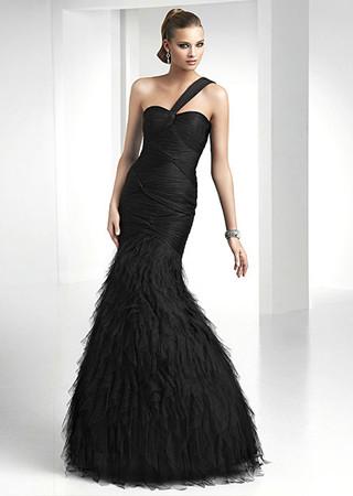 Robe de cocktail en sirène décolleté en coeur noir