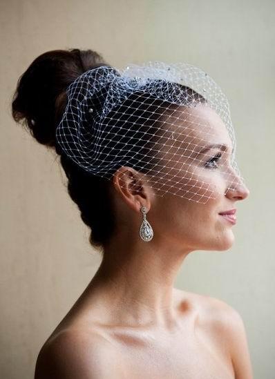 voile de mariage sur la part arrière de tête