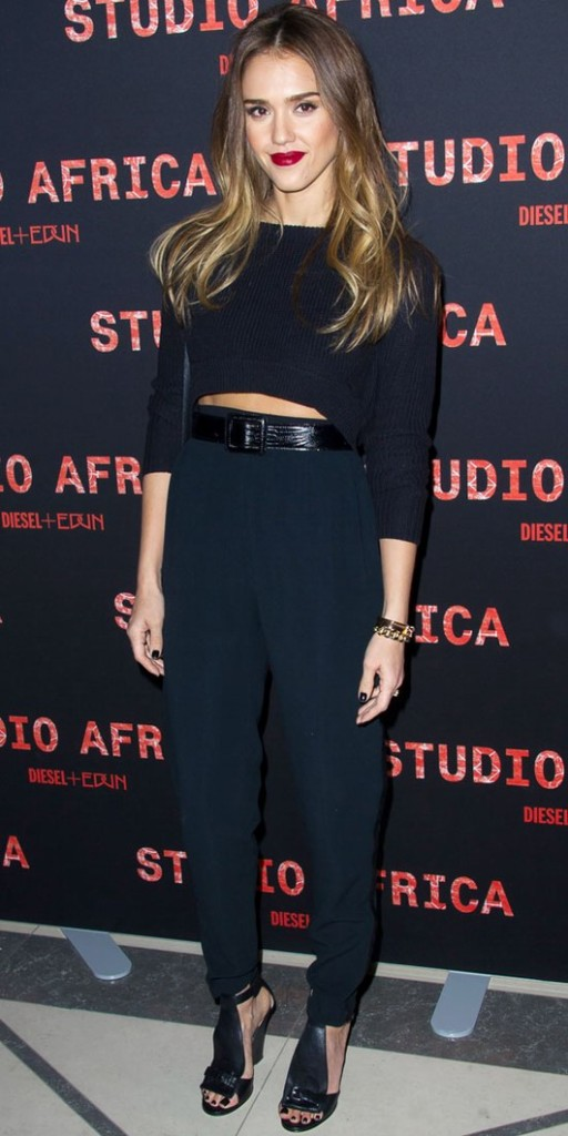 look de Jessica-Alba à la Fashion Week de Paris