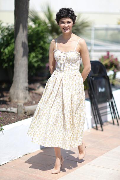 Audrey Tautou en robe d'été mi-longue fleurie dans le festival de Cannes 2013