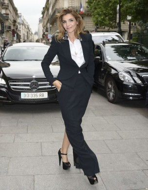 jupe longue noire de Clotilde Courau