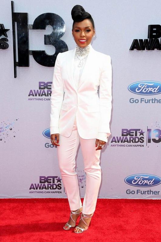 look masculin-féminin de Janelle Monae à la soirée des BET Awards