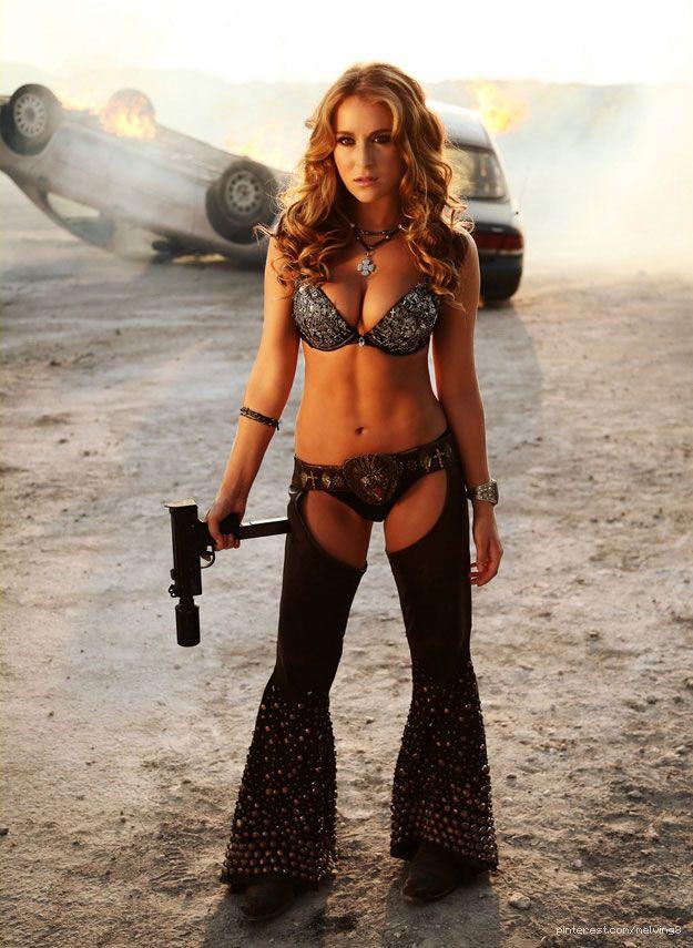 Le look très sexy de Alexa Vega dans la film Machete Kills