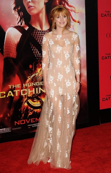 Bella Thorne à l'avant-première d'Hunger Games l'embrasement à Los Angeles