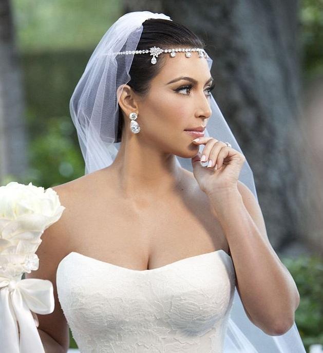 Kim Kardashian s'impose un régime extrême pour sa robe de mariée
