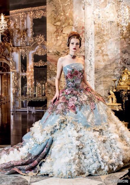 robe de mariée splendide et florale