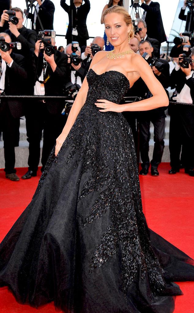 Petra Nemcova divine en robe noire princesse aux cannes 2014