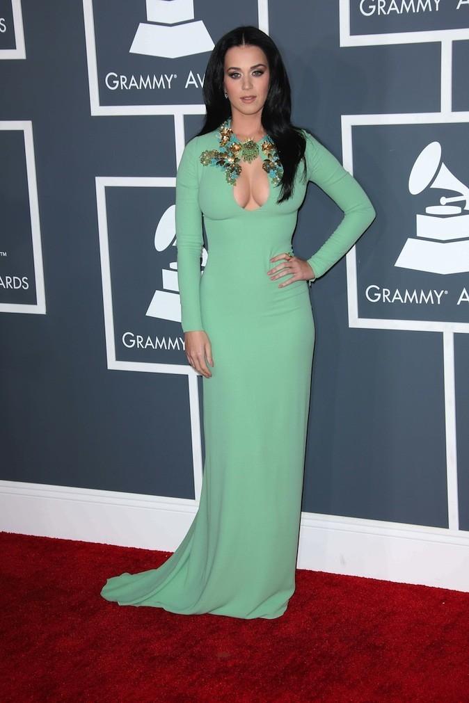 Katy Perry porte une robe longue verte Gucci