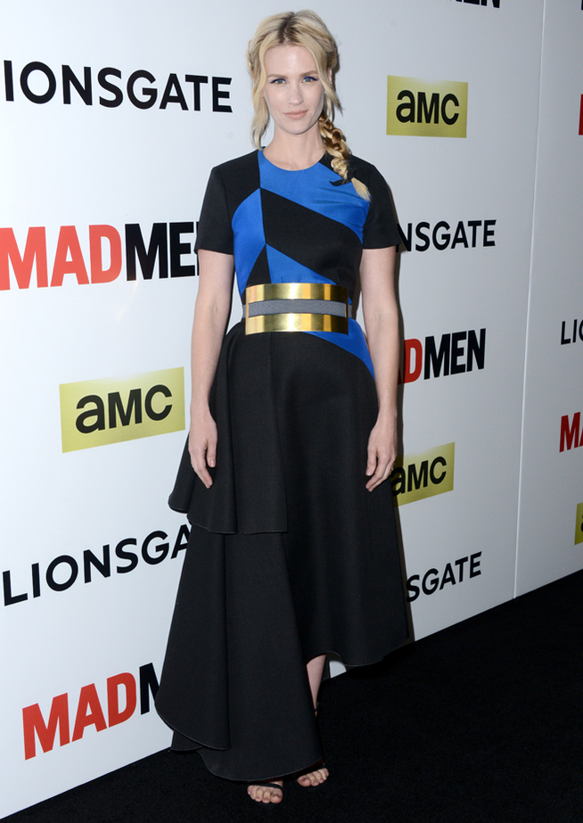 January Jones était très stylée en portant une robe color block