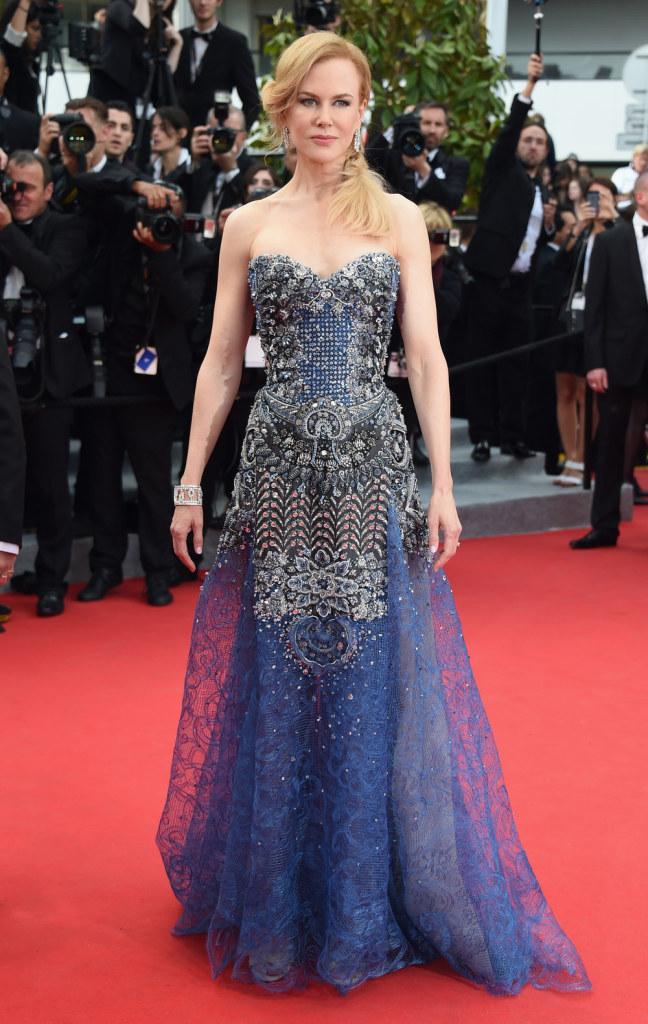 Nicole Kidman splendide lors de la montée des marches pour l'ouverture du Festival de Cannes