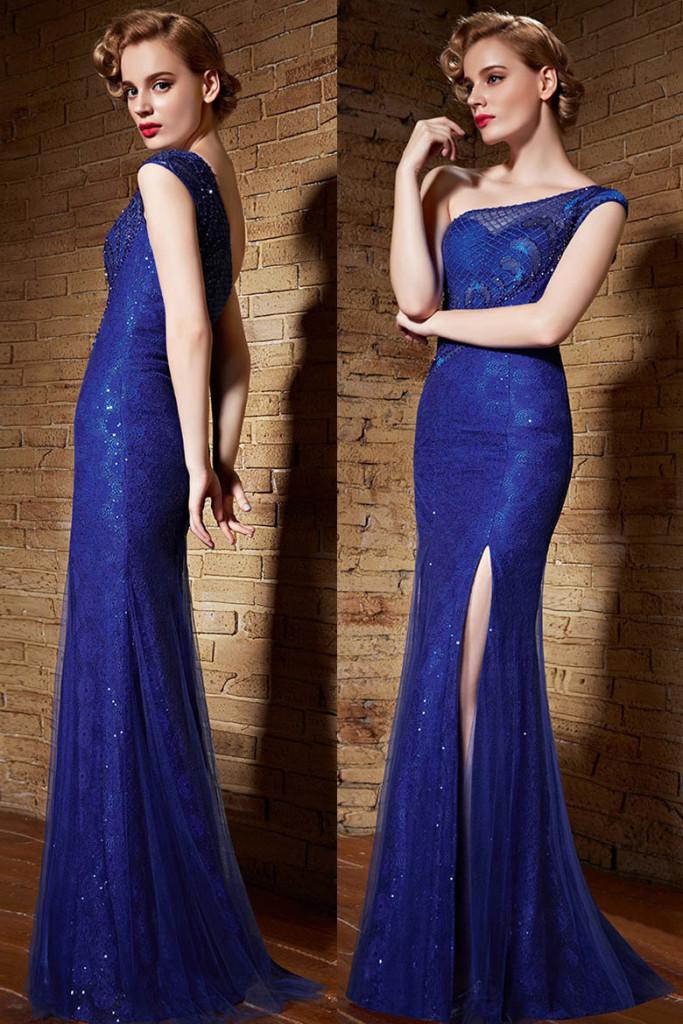 Robe bleu de soirée glamour fendue coupe sihloette trompette asymétrique en dentelle