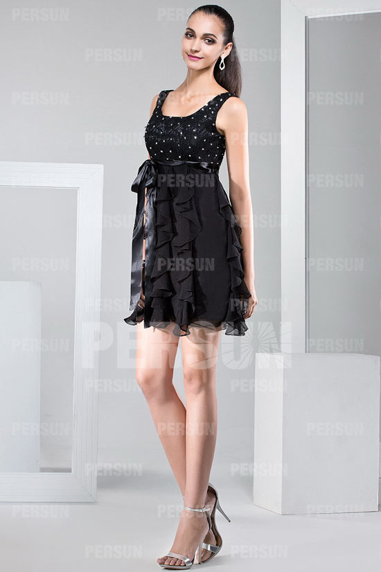 petit-robe-noir-cocktail-courte-sexy