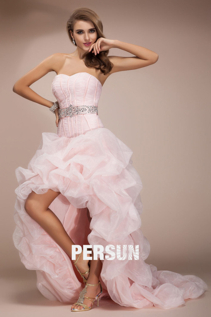 robe-bal-soiree-longue-rose-decollete-sexy