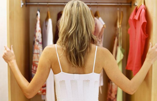 Choisir les robes de cocktail des jeunes étudiantes pour la fêtes Noël