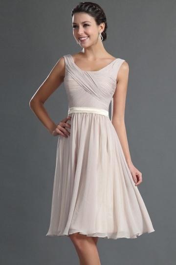 Robe courte genoux couleur tourterelle pour cocktail de mariage