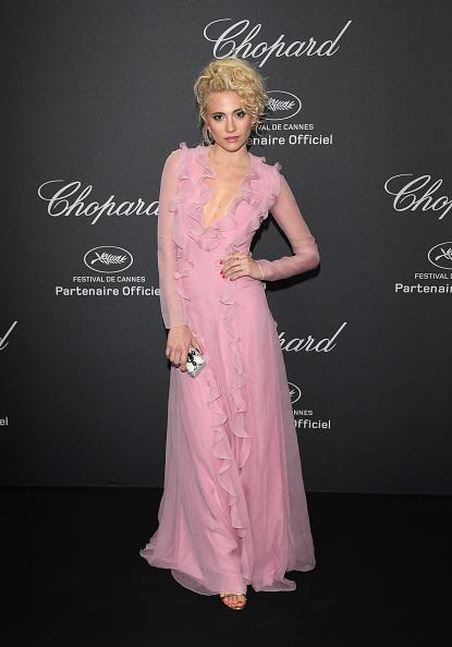 Pixie Lott dans robe rose