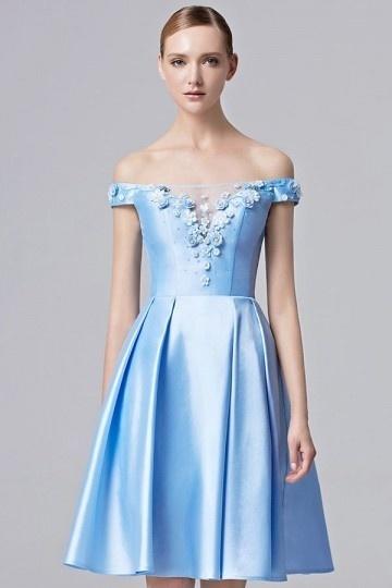 Robe courte bleue bustier floral épaule dénudée