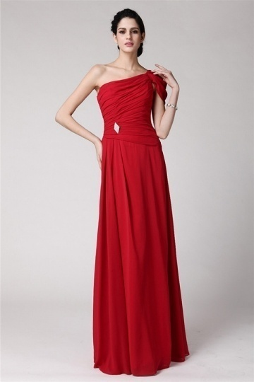 robe-soiree-rouge-plissee-style-asymetrique-longue