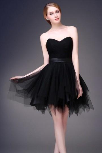 petite-robe-bustier-coeur-pour-cocktail-effet-fantasie