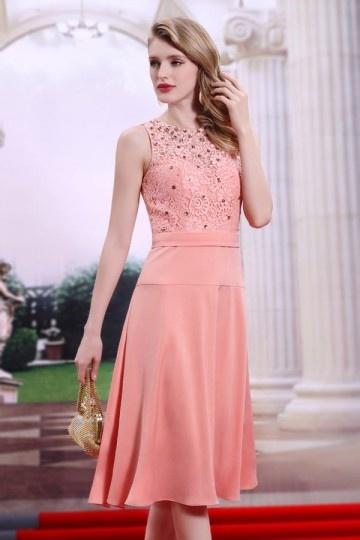 robe-de-ceremonie-courte-rose-bustier-en-dentelle