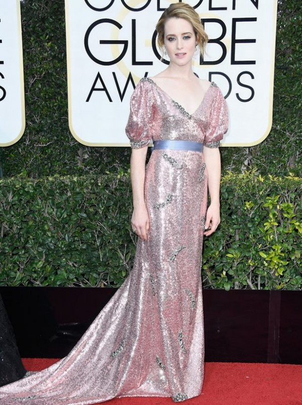 claire-foy-robe-rose-sequin-golden-globe-awards