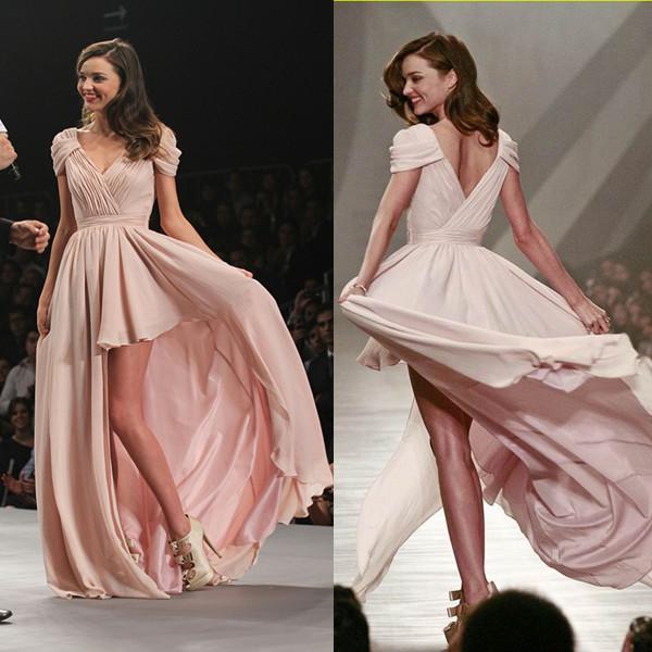 Miranda Kerr robe de bal rose courte devant longue derrière