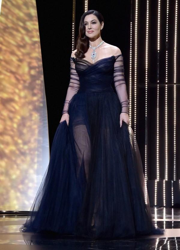 Monica Bellucci robe noire tulle
