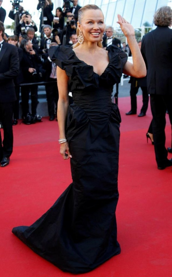 Pamela Anderson robe CANNES