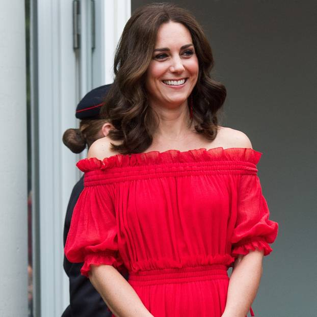 kate-middleton-look-sourrire