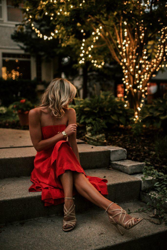 chic robe rouge pour la fęte Noël avec allure