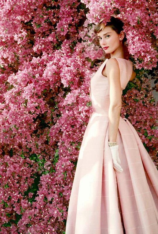 robe de soirée rose Audrey Hepurn