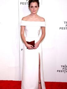 robe de soirée blanche épaule nu avec fente Emma Watson