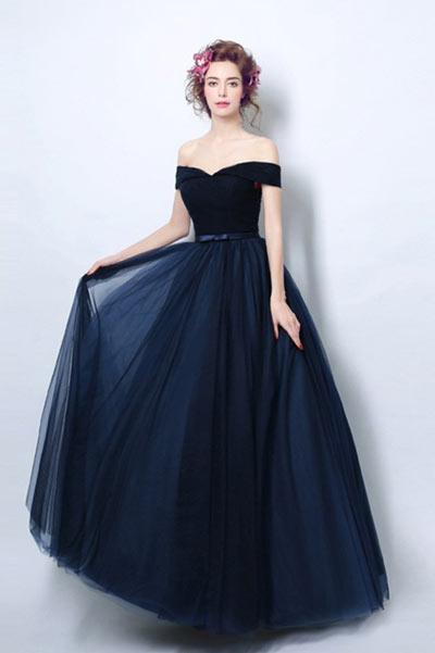 robe de soirée bleu longue princesse épaule dénudé