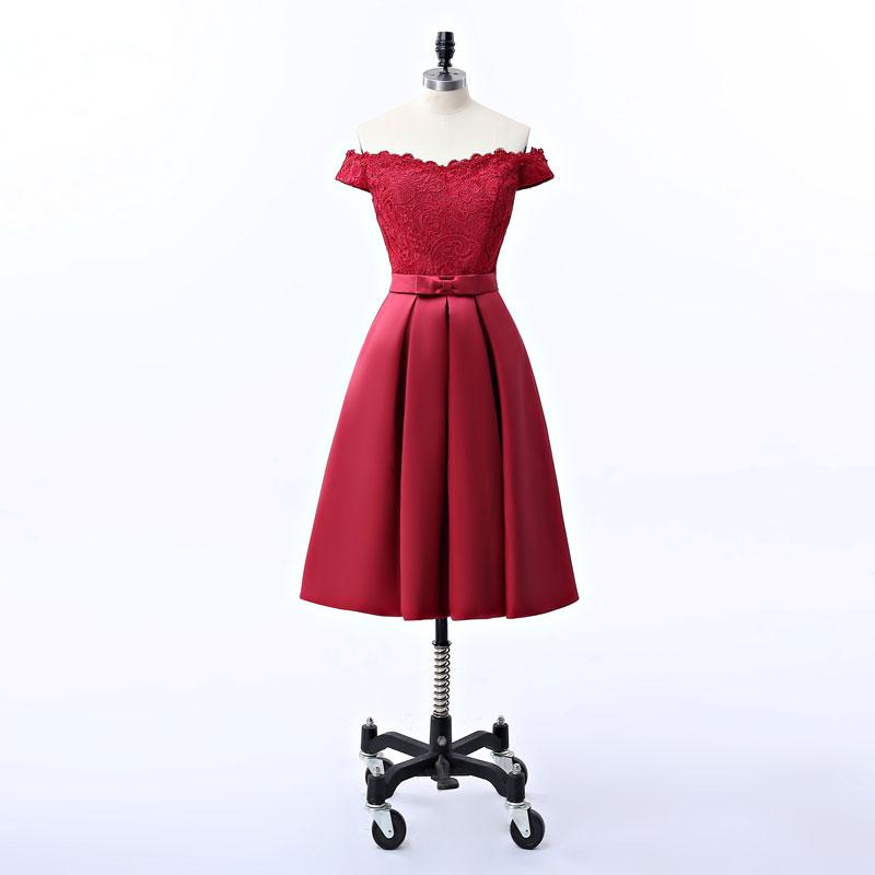 robe de cocktail rouge courte appliqué de dentelle col bardot