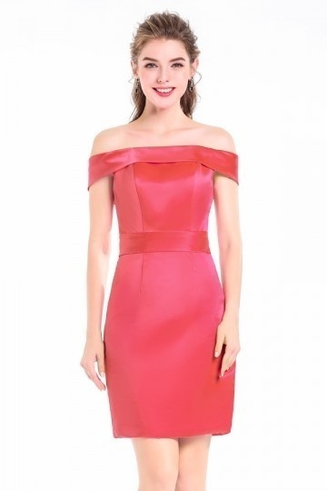 petite robe rouge fourreau col bardot