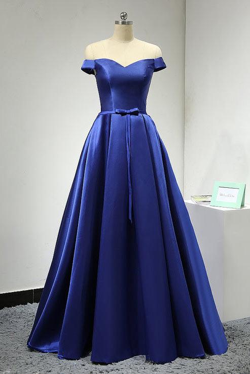 robe de soirée bleu princesse épaule dénudé