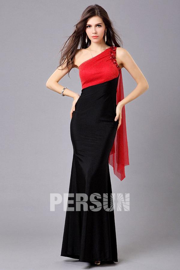 8755226fee6 robe de soirée rouge et noire asymétrique fourreau