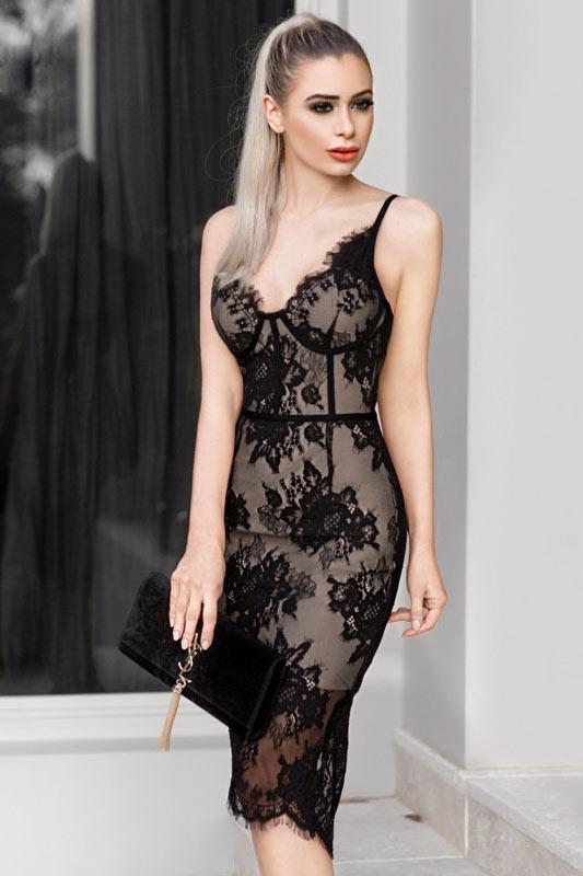 3c879e200fc petite robe noire sexy fourreau en dentelle avec bretelle fine