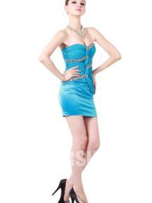 robe de cocktail bleu courte bustier coeur orné de strass