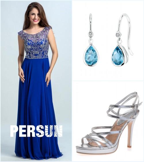 robe de cocktail bleu longue haut en strass, boucles d'oreilles bleu et sandale argenté