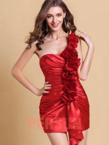 robe de cocktail rouge asymétrique orné de fleurs