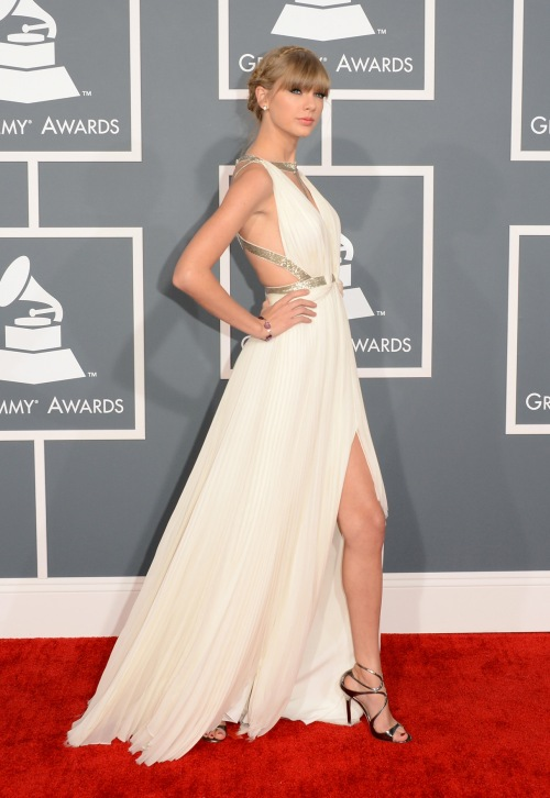 Taylor Swift en sandale Lance de Jimmy Choo