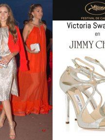 Victoria Swarovski en sandales Lance signées Jimmy Choo Festival de Cannes 2017