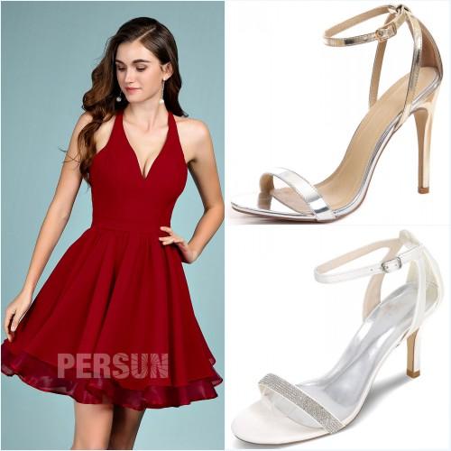 robe de soirée rouge courte halter, sandales simples avec brides