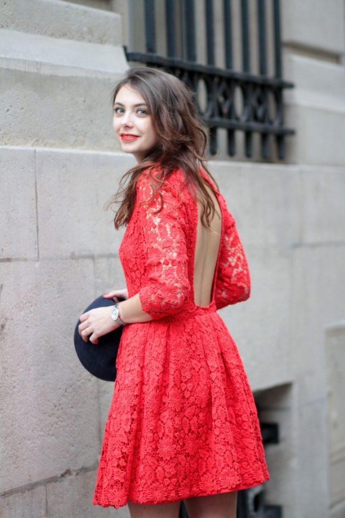 robe de dîner dentelle rouge dos découpé