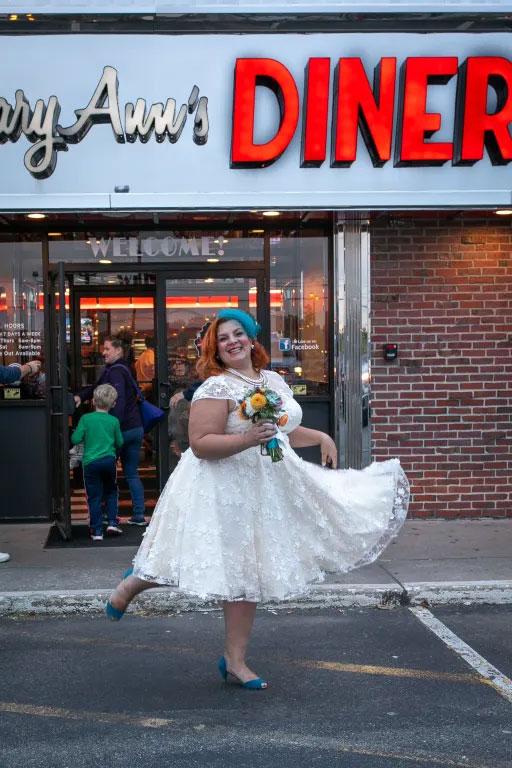 robe blanche dentelle florale 3D 2019 pour rendez-vous