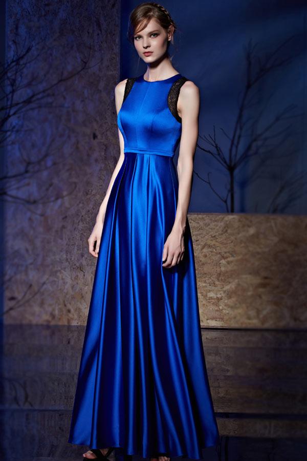 robe de soirée bleue encolure ronde en dentelle avec la jupe plissée